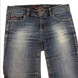 Tommy Hilfiger Jeans, size 8 Freedom boot cut!